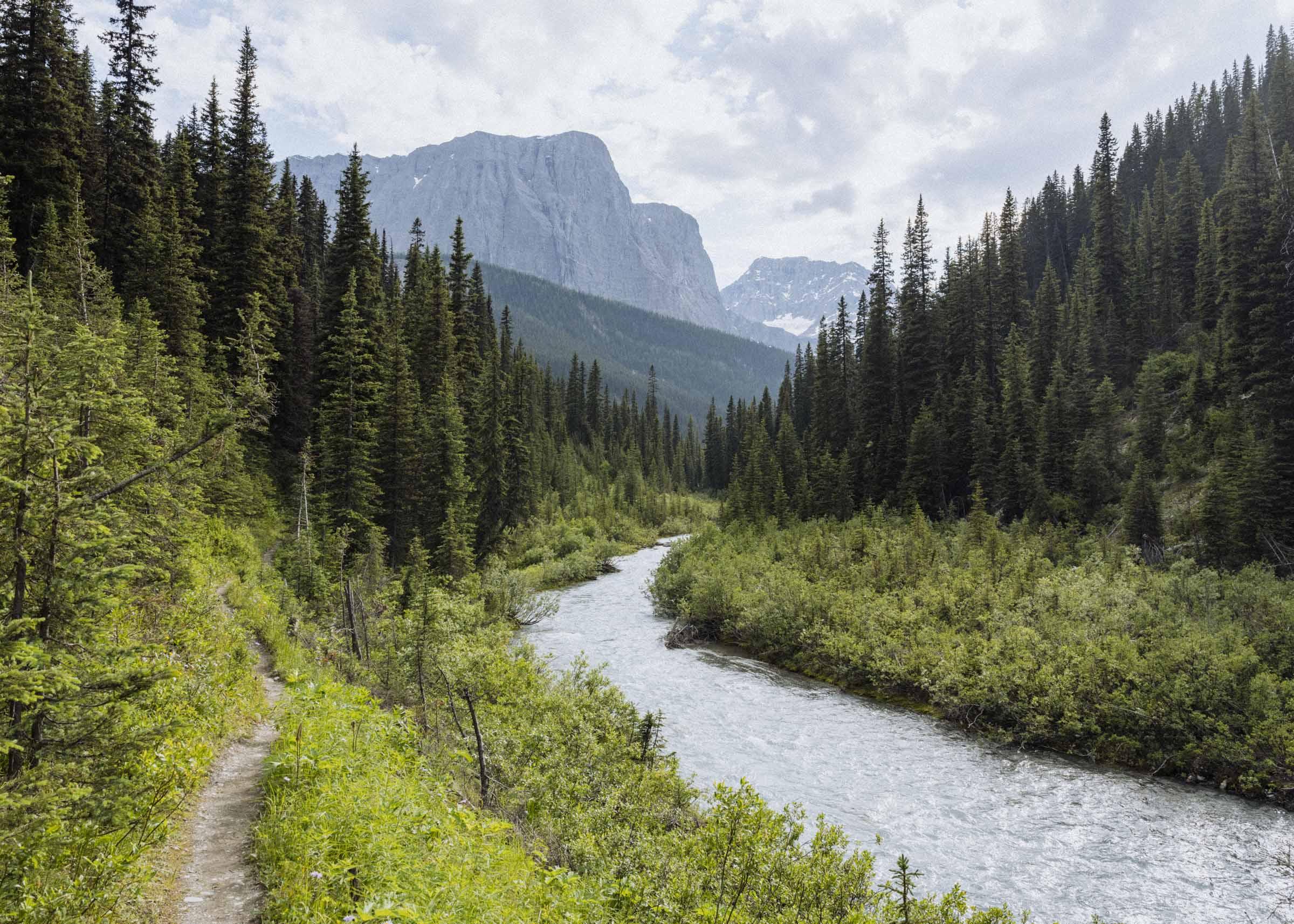 Hiking the Rockwall Trail